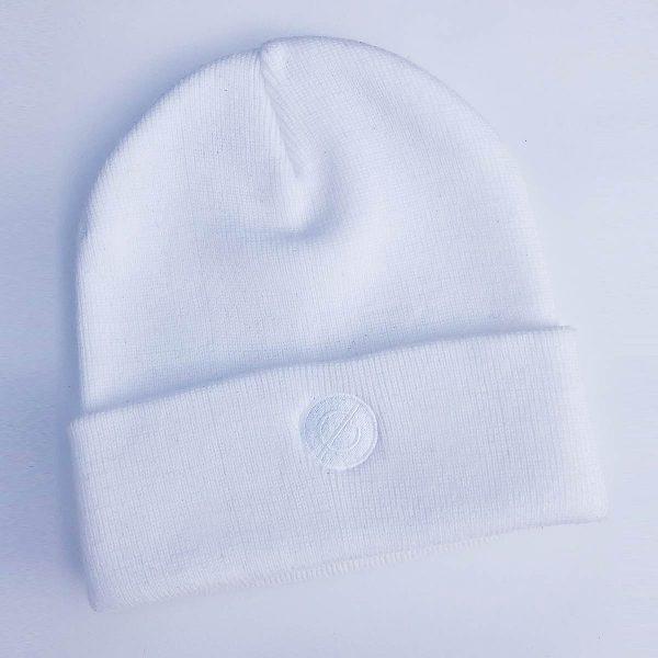 beanie white (white logo) - echelon